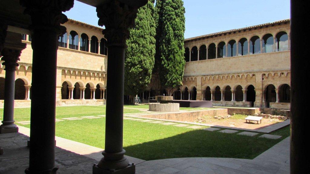claustro-monasterio-sant-cugat