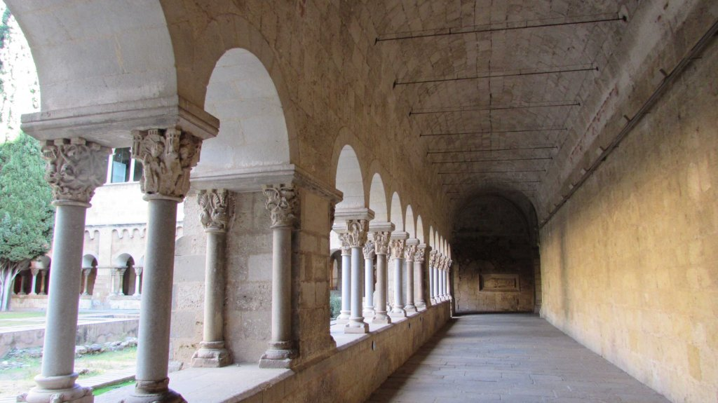 galeria-claustro-monasterio-sant-cugat