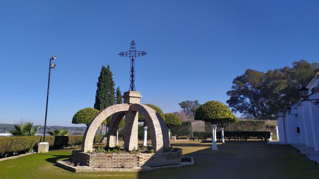 luna-touris-cruz-ermita-sanpedro-elcarpio