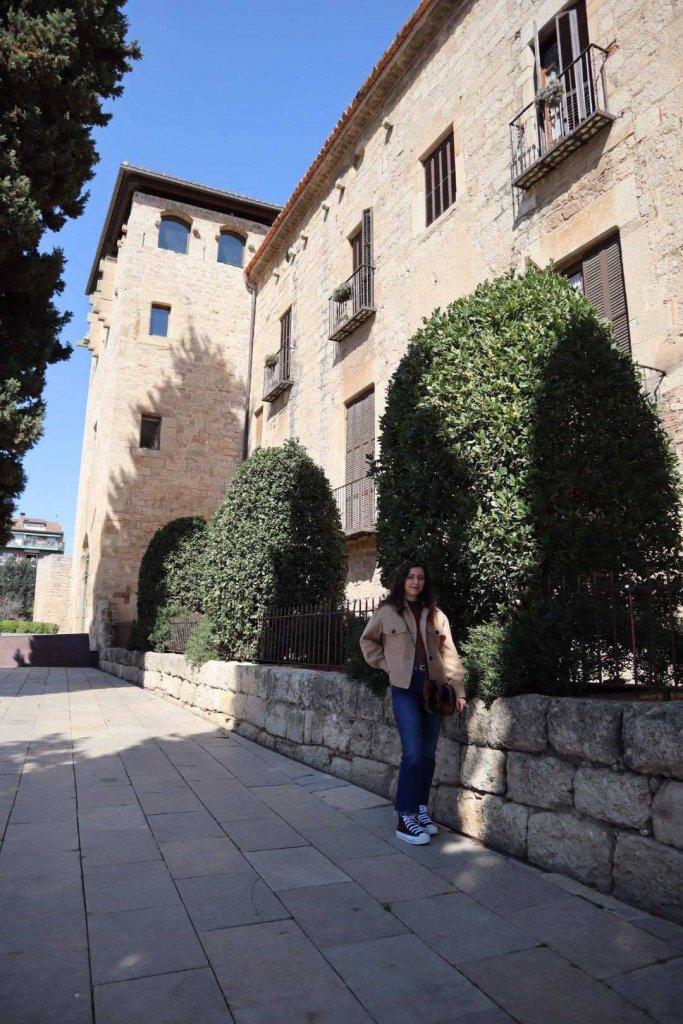luna-touris-plaza-monasterio-sant-cugat