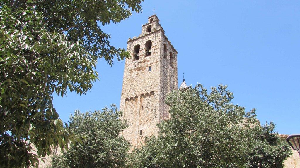 luna-touris-torre-monasterio-sant-cugat