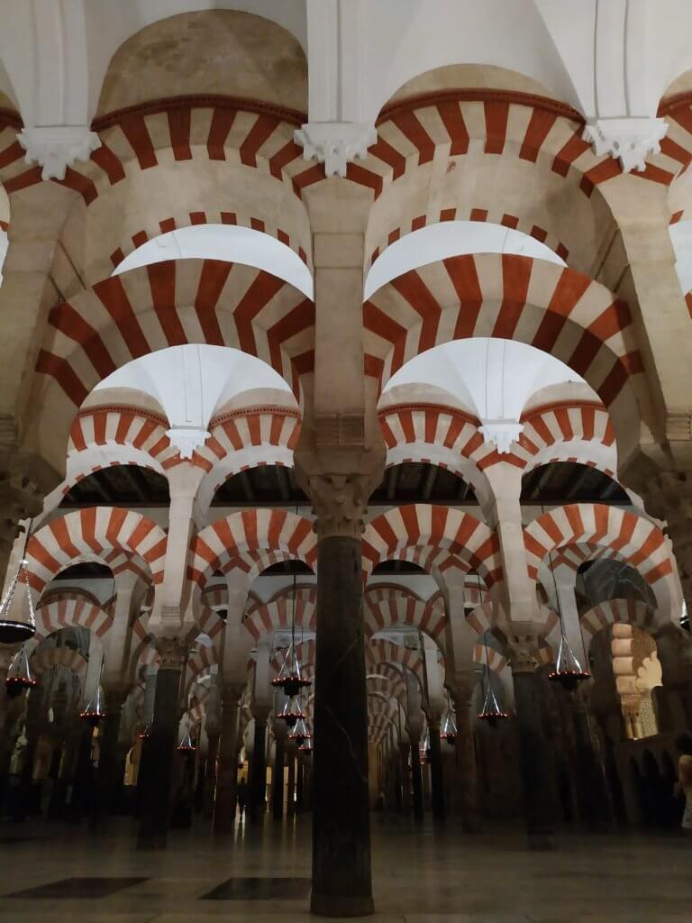 luna-touris-arcos-mezquita-cordoba