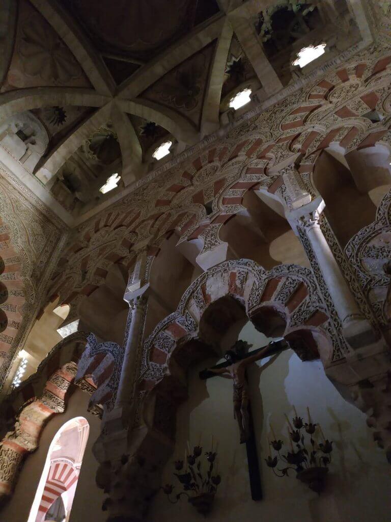 luna-touris-mezquita-interior-cordoba