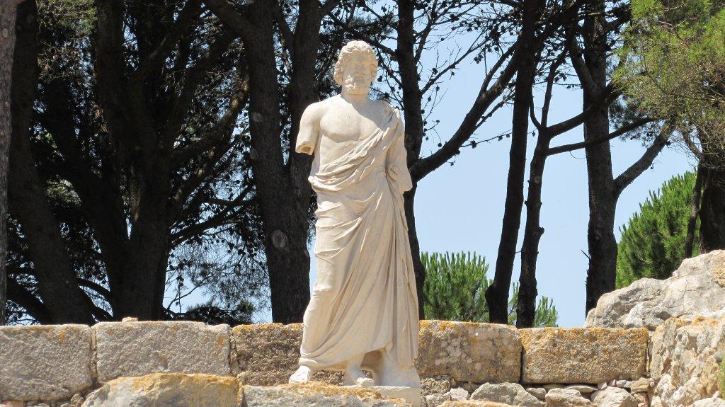 estatua-asclepio-ruinas-ampurias