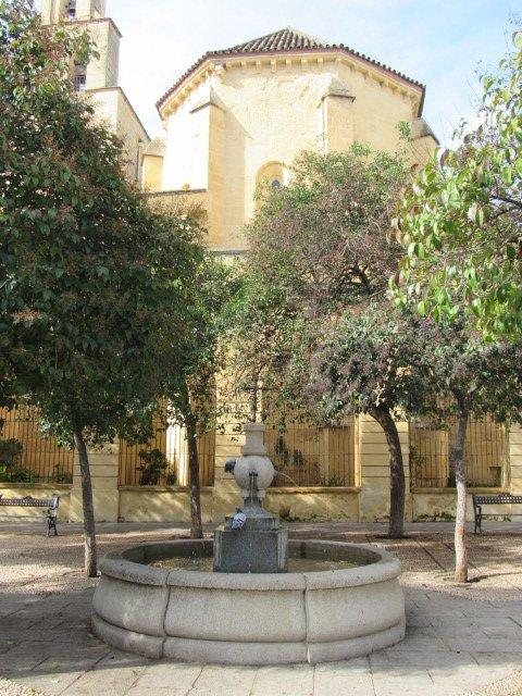 fuente-plaza-san-pedro-cordoba