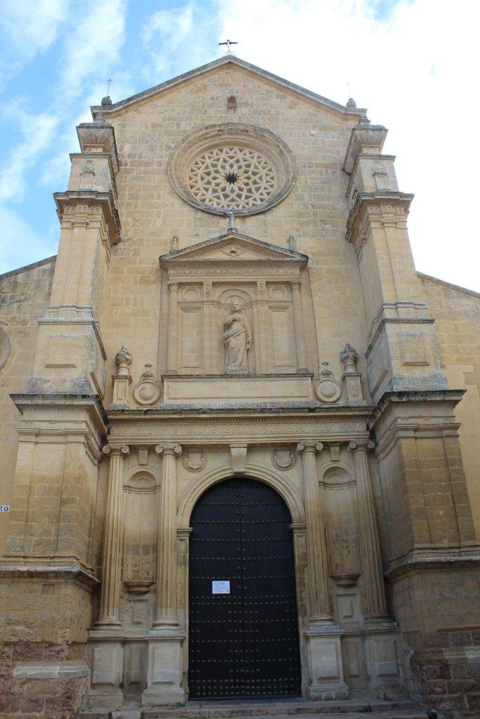 fachada-iglesia-san-pedro