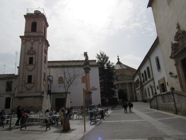 plaza-compania-iglesia