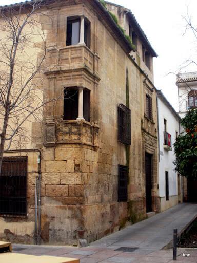 fachada-casa-de-los-luna