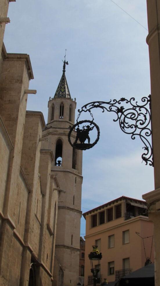 torre-campanario-basilica