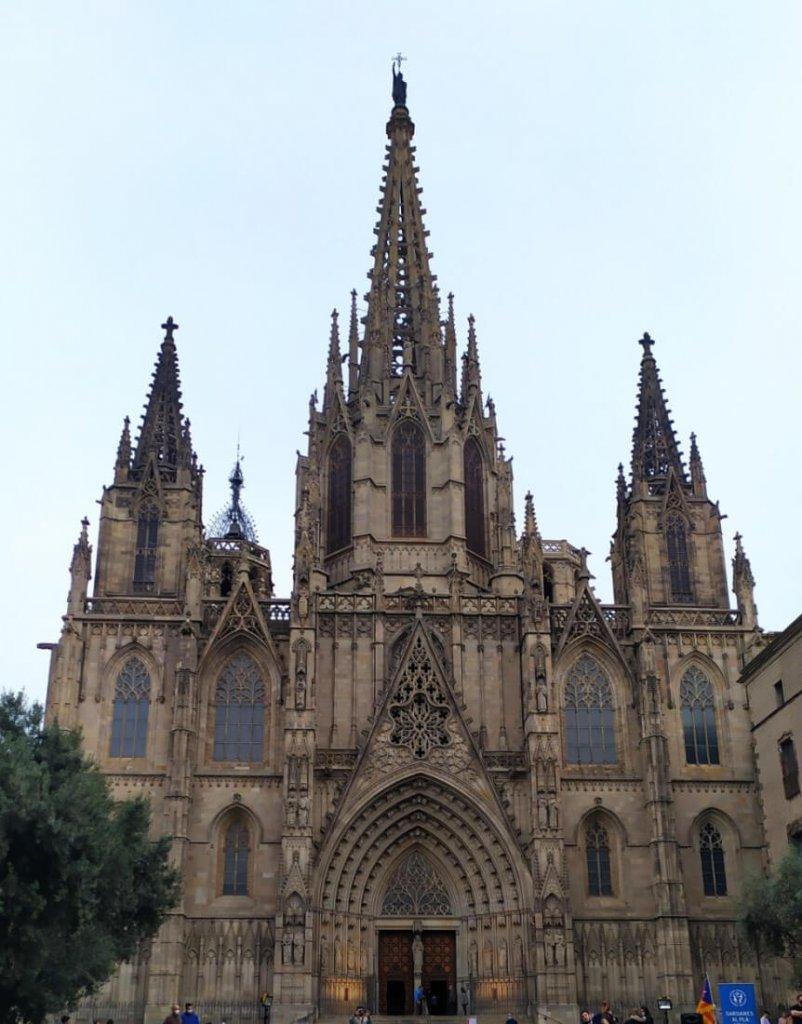 fachada-catedral-bcn