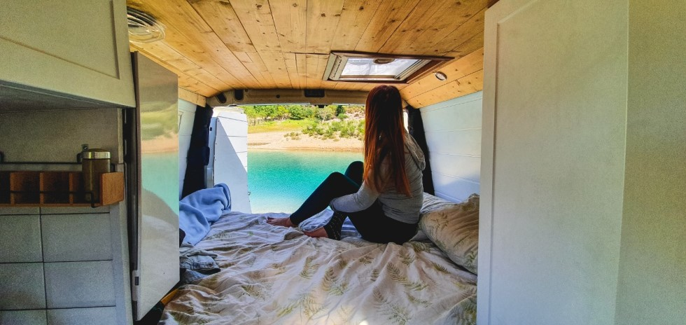 interior-camper-excursiones-viajes