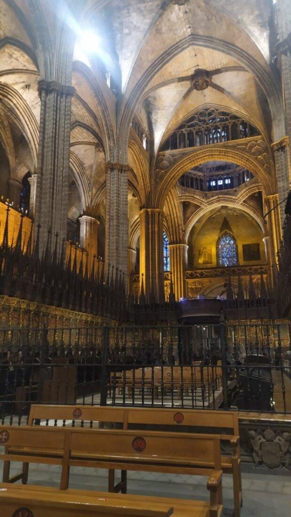 interior-catedral-bcn