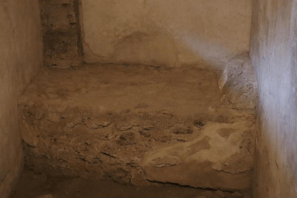 cama-piedra-lupanar-pompeya