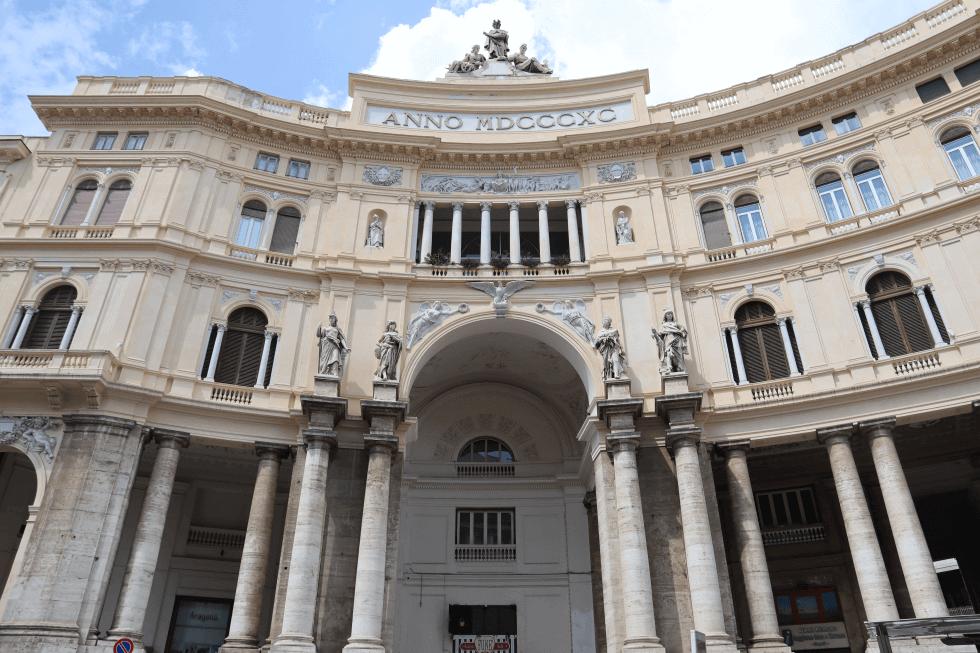 galeria-umberto-primero-napoles-italia