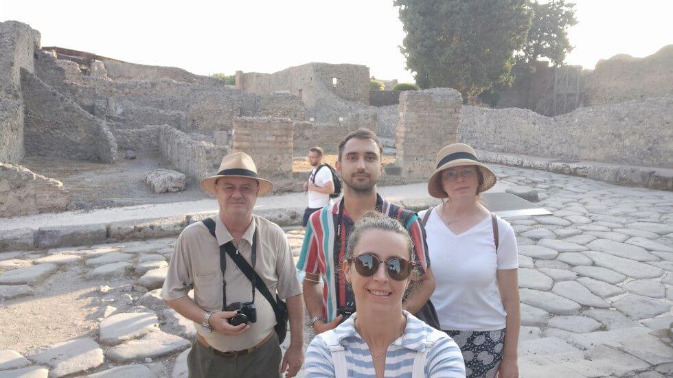 lunatouris-familia-pompeya