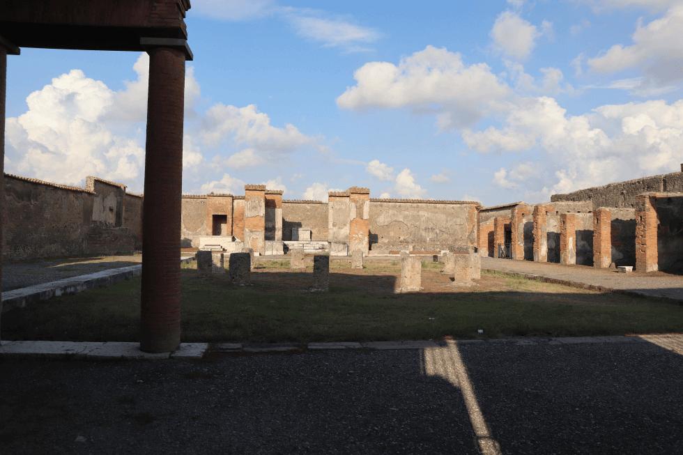 macellum-ciudad-romana-pompeya