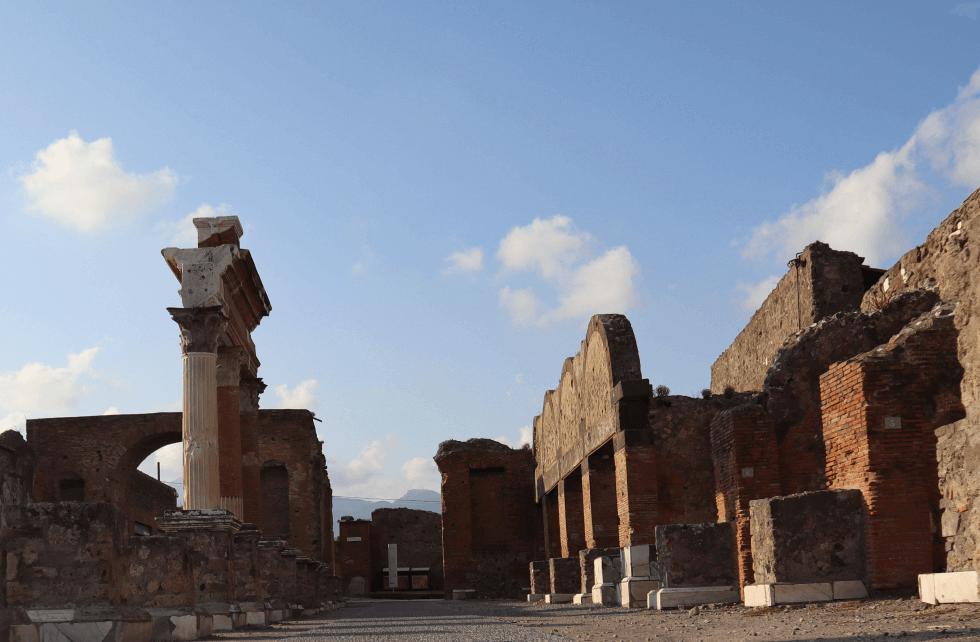 macellum-ciudad-romana-de-pompeya-italia