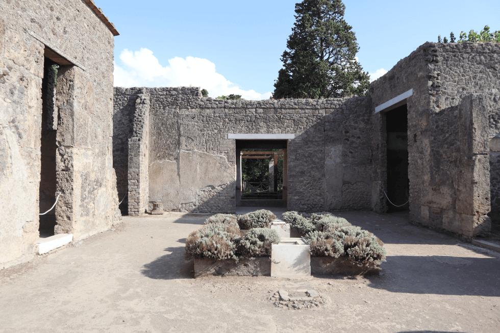 patio-domus-pompeya